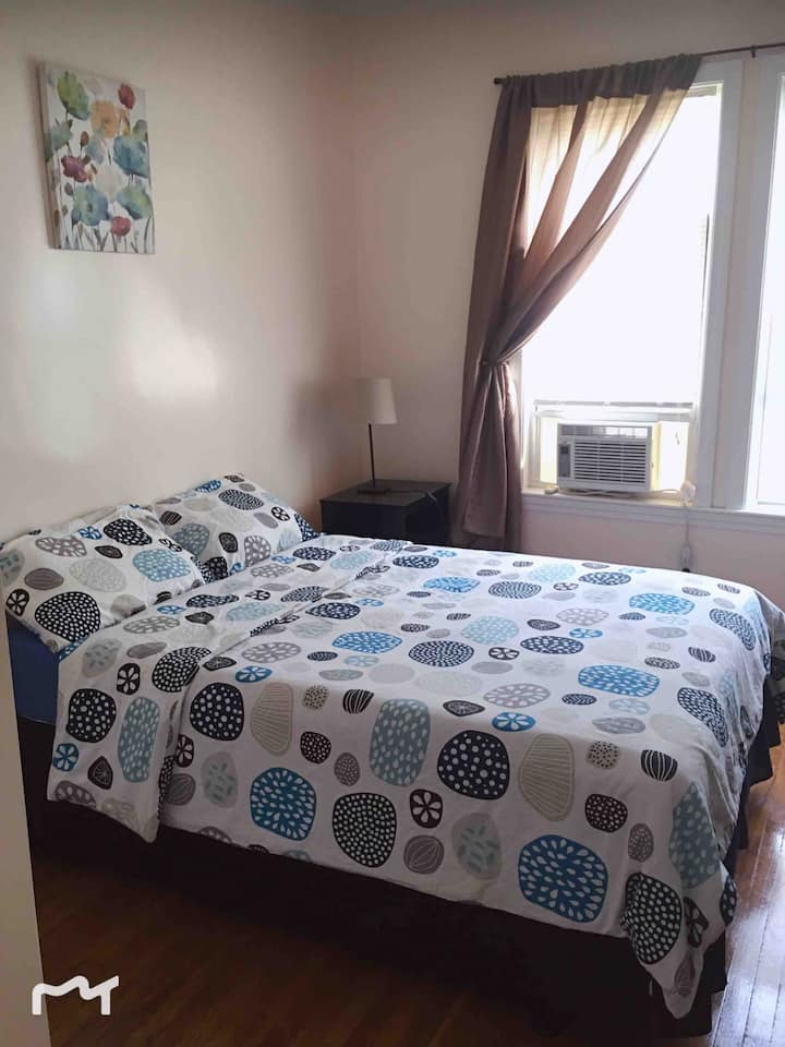 Great Location-Spotless-Private Room-红线旁舒适房间 101