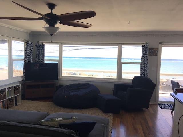 Family Home with Gorgeous Ocean View - Hau'ula - Huis