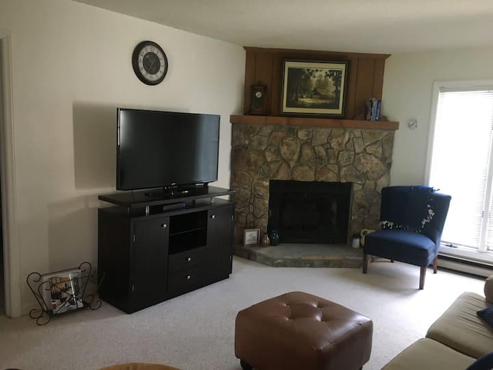 2 bed 2 bath condo at Royal Oaks in Downtown Blowing Rock