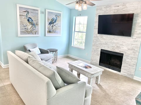 Newly Renovated Condo for Beaching on a Budget