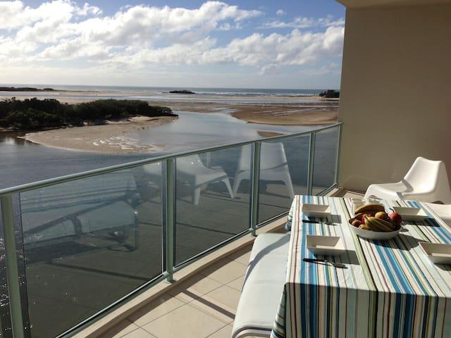Luxury Water View 2 Bedroom Apt - Maroochydore - Apartament
