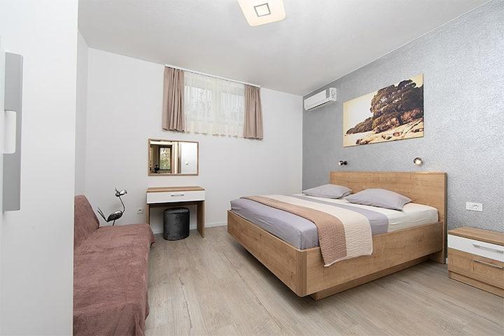 DiVA Apartmani Tučepi Centar