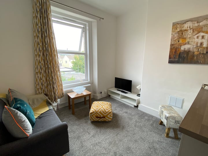 Lovely Seaside Town Newly Refurbished Flat