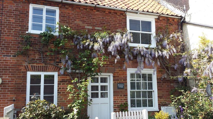Dreamers Cottage, Pinkneys Lane, Southwold