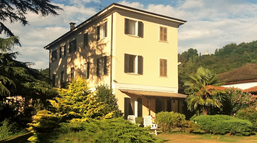 villa nel verde Lago d' orta - Orta San Giulio - วิลล่า