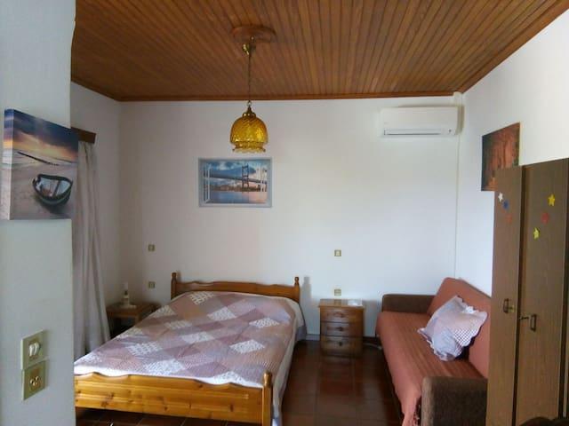 IRIDAS Apartment near the SEA