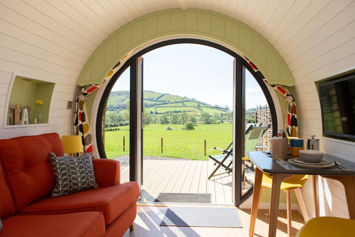 Stunning Glamping Pod with walks from the door