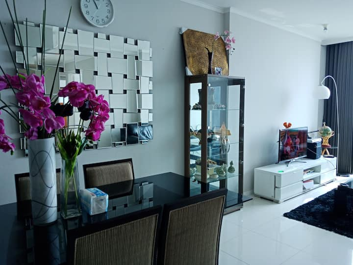 Ciputra World Apartment Surabaya 2 Bedrooms 100 M2