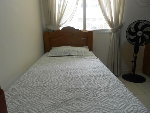 Dutra 102 | Wi-fi | 2 Bedrooms | TV | 4 pax