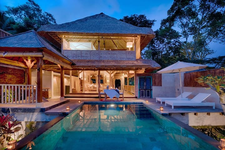 Luxury Villa for Honeymoon and Relax in Ubud Bali
