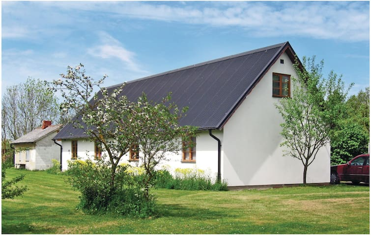 Holiday cottage with 2 bedrooms on 92 m² in Slite