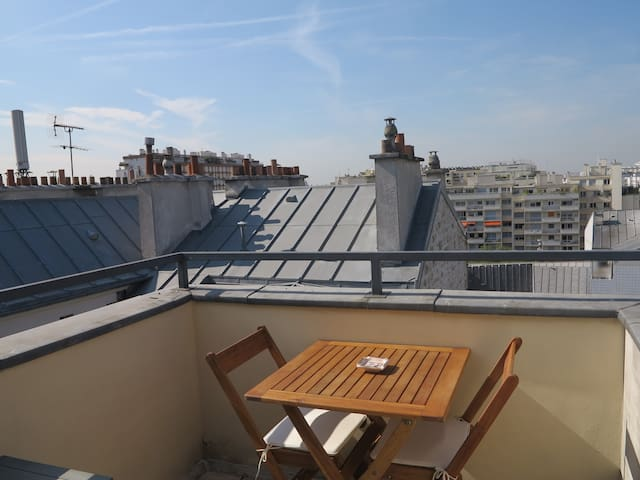 Nice bedroom with private balcony - Paris - Flat
