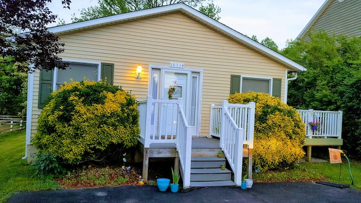 Seaglass Cottage 2.5miles from oc! 3 bdrm  2 bath.