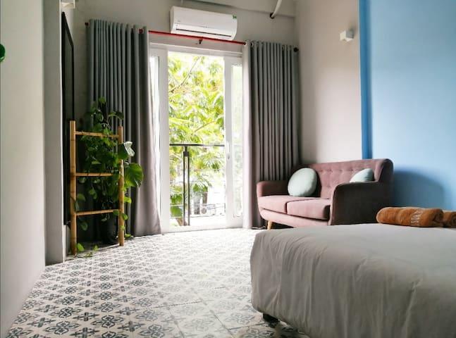 Clean, Comfy & Central Suites
