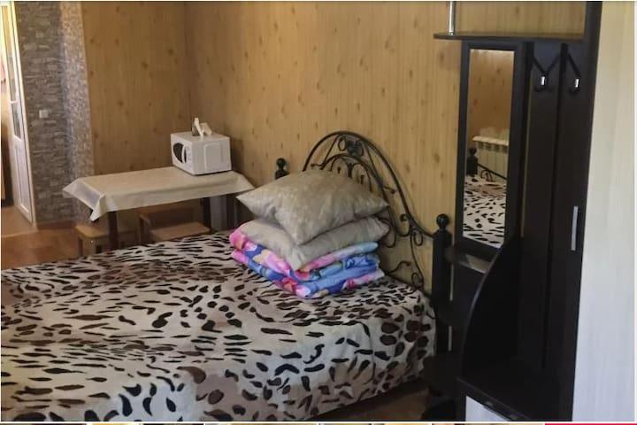 Уютное недорогое жилье с удобствами в центре