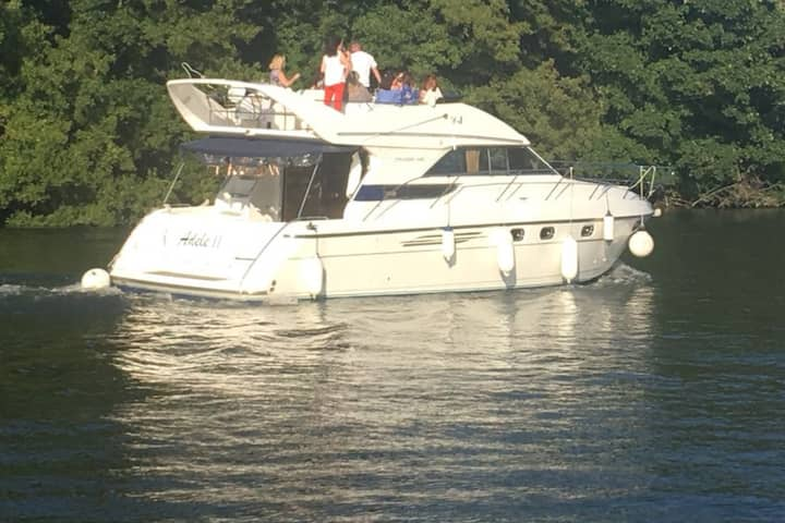 Private Yacht for Henley Regatta &  Festival