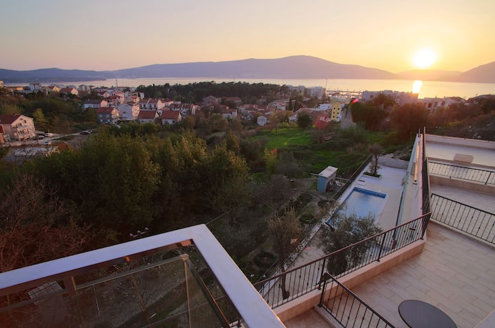 Brand New Apartment with SEA View - Tivat