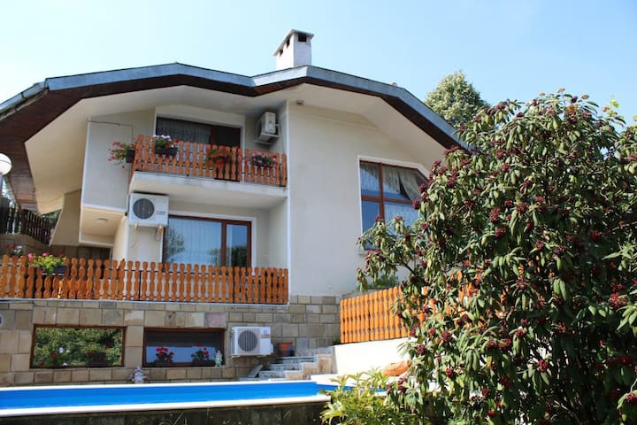 Luxury&relaxing cosy guesthouse in Boriki village