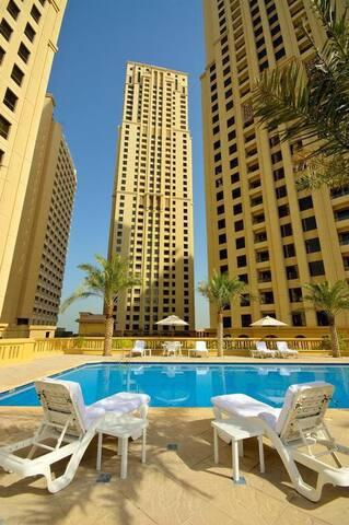 Dubai. Jumerah lakes tower Very near to the metro very nice and quiet place near to everything
