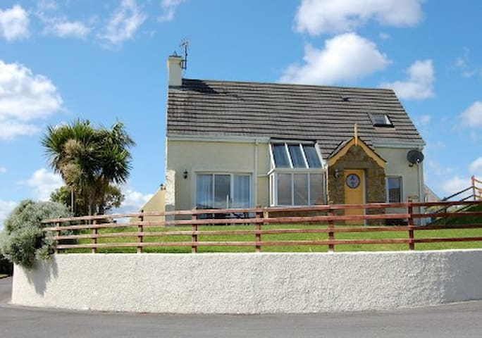 Holiday Home, Ardliath, Rossnowlagh, Donegal - Golf View - Casa
