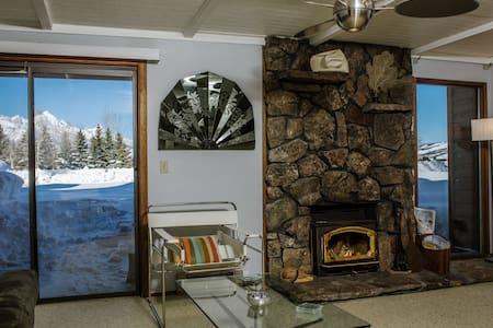 Jackson Hole 3 Bedroom in National Park W/ Views - Jackson Hole - Osakehuoneisto