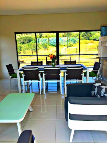 Settlers Village @ RedStone Private Country Estate - Broederstroom - Apartament