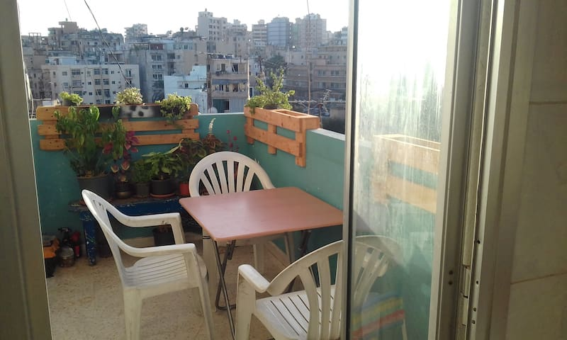Private room in calm neighborhood in Beirut