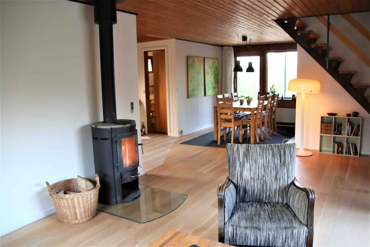 Livingroom with good space and a nice fireplace - you can buy wood arround the local farms