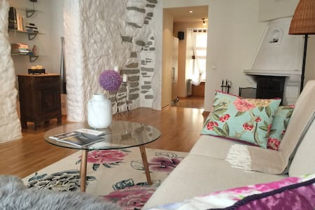Old Town, Historic 72m2, fireplace and Jacuzzi.