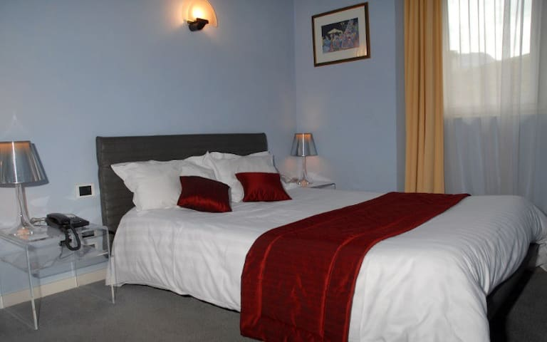 Centre de la vieille ville d' Annecy (Chambres) - Annecy - Bed & Breakfast