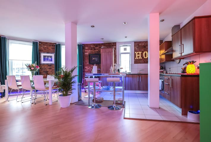 Deco Loft Conversion Shoreditch - ลอนดอน