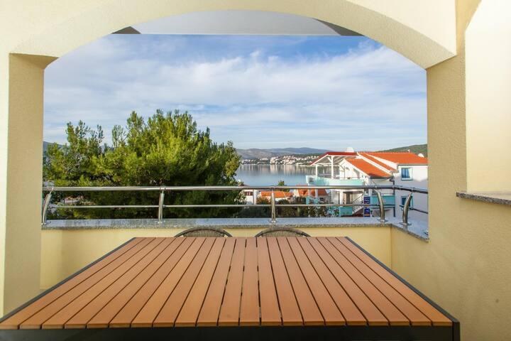 Apartments Villa Luna / One bedroom Mia A5 - Okrug Gornji - Apartment
