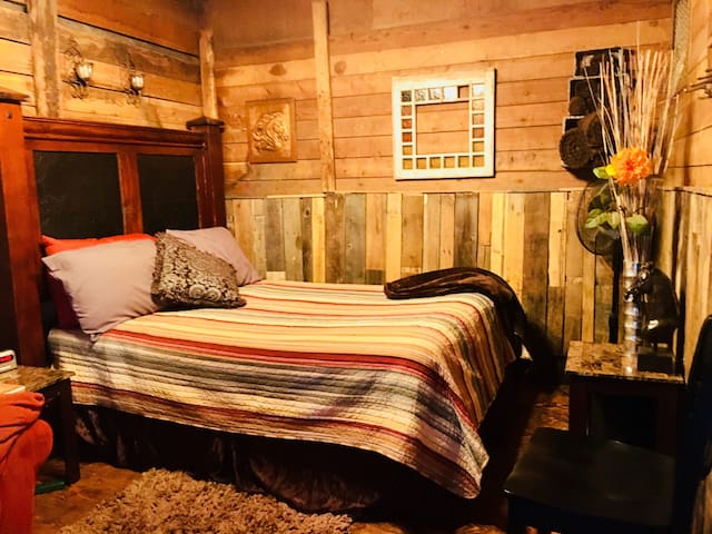 Authentic Barn BnB Stall #1 (Bed in Barn)