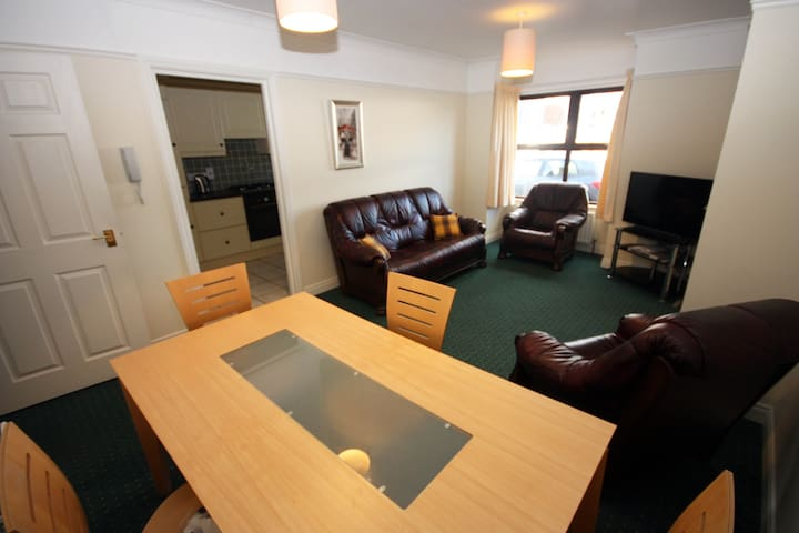 Modern Belfast Apartment Sleeps 5 - Castlereagh - Pis