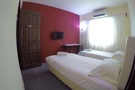 202 Na'iim Budget Hotel - Kota bharu