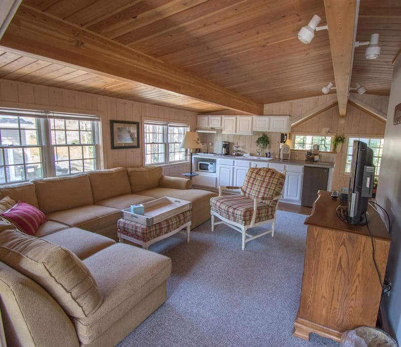 Large sectional sitting area with Flatscreen TV