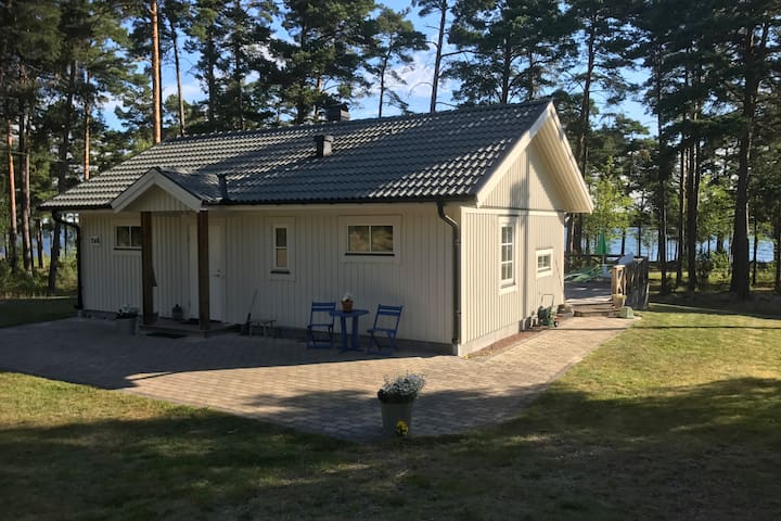 Holiday cottage with seaview. Oknö, Mönsterås.