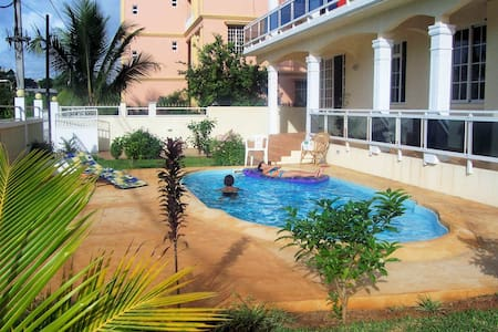 FITA RESIDENCE - Spacious, seaview, pool, SECURITY - Pointe aux Biches - Apartament