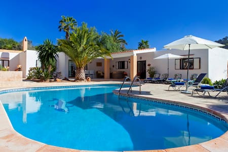 Holiday Villa with Private Pool near Cala Jondal
