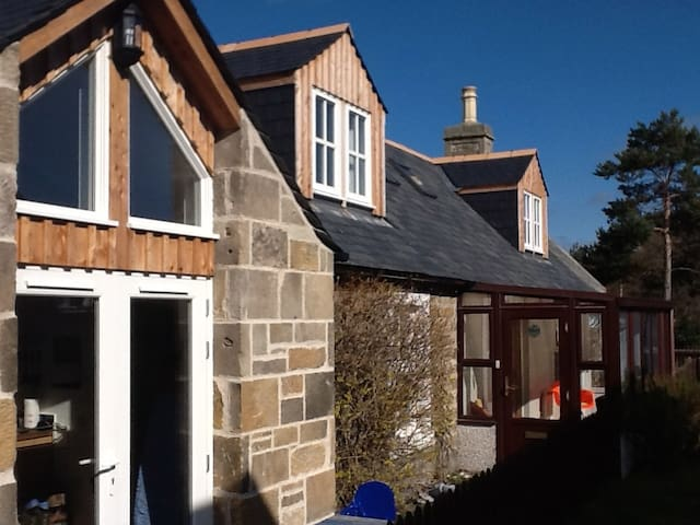 Self catering cottage -seaside village of Findhorn
