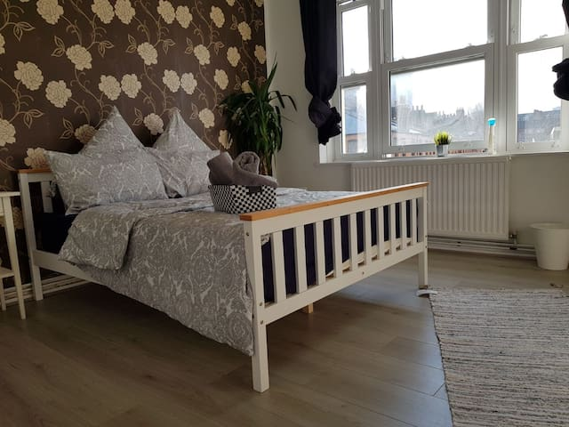 Fantastic, trendy double large double bed