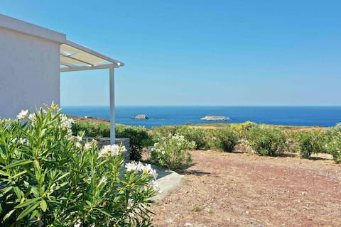 Vanis Nature House with Amazing Sunset in Kythira