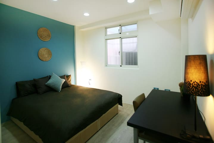 Double room in townhouse with spacious living room