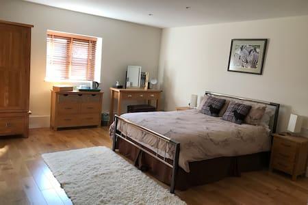 Bedroom 3 with en-suite bathroom in Affricks Barn