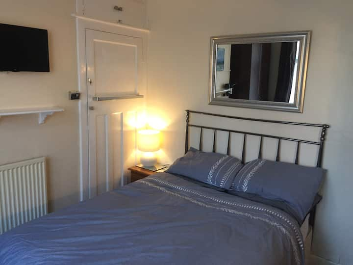 Rob's Place: Economical Double Room