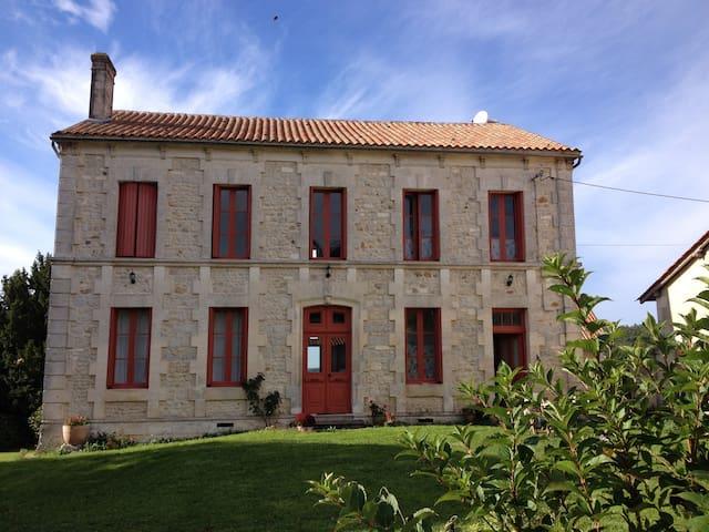 Maison de Maitre - Juignac - บ้าน