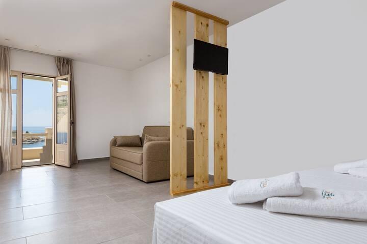 Luxury Junior Suite (1-4pax)