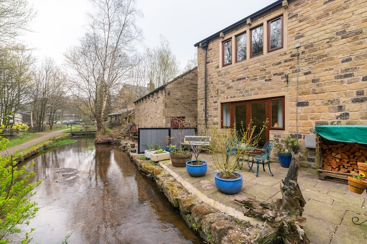 Delph, Saddleworth  Entire Waterside apartment