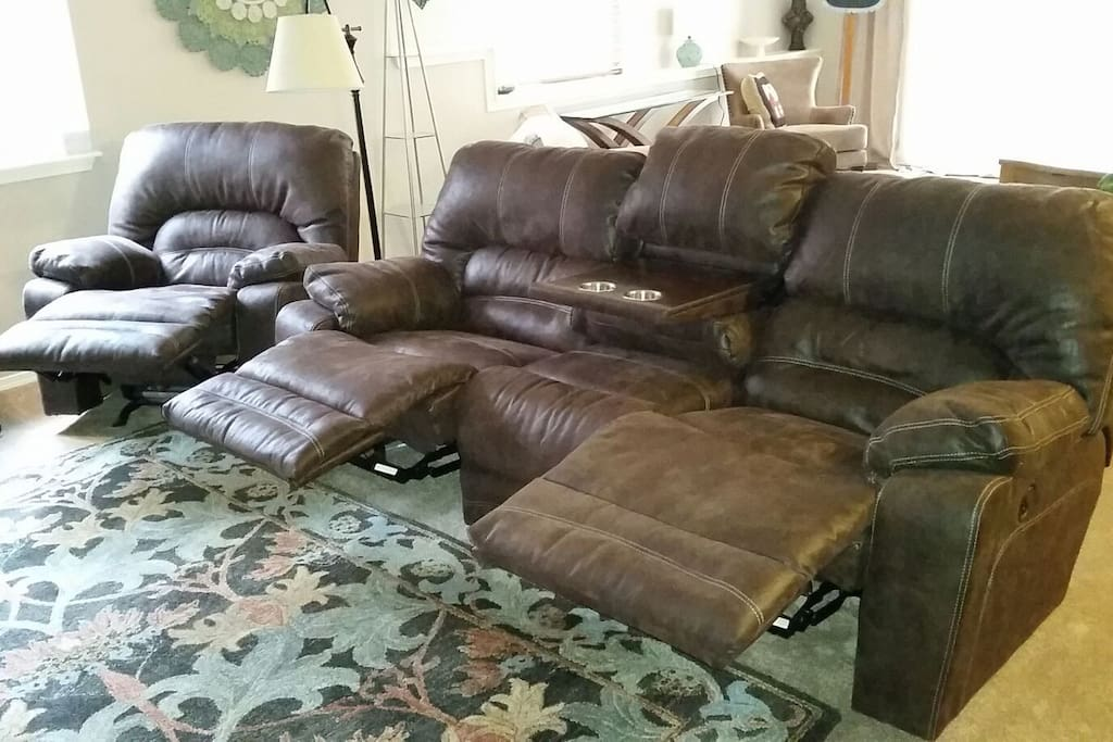 3 Recliners + Drink Console
