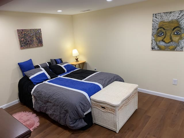 Bedroom 3 , mirrored closet,queen size bed, comfy linens , great pillows and Paul Mitchell toiletries.